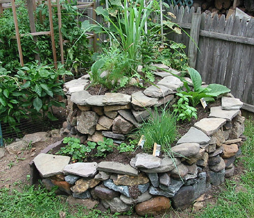 Herb Spirals: the Garden Trend that's Beautiful and Useful